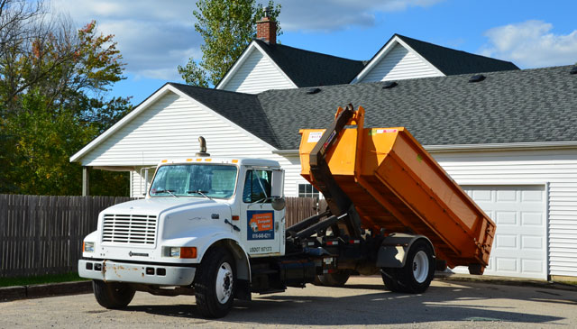 Grand Rapids Dumpster Rental roll-off truck